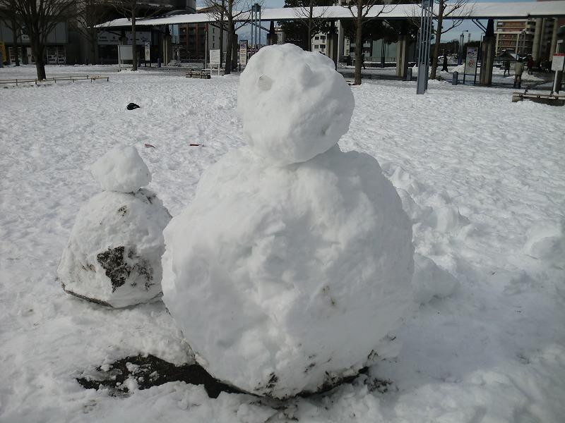 あぁ!雪だるま!雪合戦!